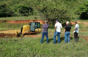 La cosecha de agua propuesta por el actual Gobierno consiste en almacenamiento de agua mediante la construcción masiva de zanjas. Foto/Cortesía