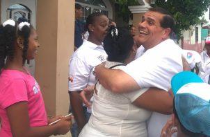 """Sergio """"Chello"""" Gálvez fue recibido con los brazos abiertos por residentes del corregimiento de Juan Díaz."""