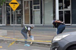Sicarios no cumplen con su trabajo, abalean a un hombre pero este sigue vivo. Foto: Crítica.