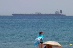 """La detención del superpetrolero se produjo """"por información que generó al gobierno de Gibraltar motivos razonables para creer que el barco, el """"Grace 1"""", estaba infringiendo las sanciones de la Unión Europea contra Siria""""."""