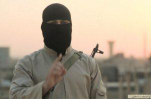 Un militante del Estado Islámico en una alocución televisada. Foto: Archivo/Ilustrativa.