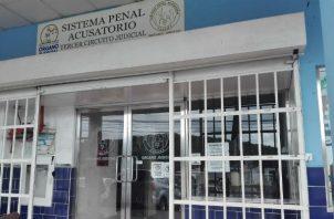 La funcionaria fue aprehendida el pasada lunes en un operativo en conjunto entre la Fiscalia Anticorrupcion  y Dirección de Investigacion Judicial.