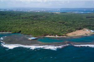 Se trata de un área de arrecifes coralinos y muy cercano al Centro de Estudios Marinos de Punta Galeta, que quedaría vulnerable a un derrame de petróleo. Foto: Smithsonian/ Cortesía
