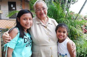Sor Lourdes Reiss insta al Estado y a las  familias a honrar la dignidad de los niños. Foto de archivo