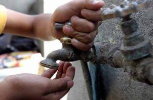 El suministro de agua potable en estas áreas estará suspendido de 8:00 am a 12:00 md.