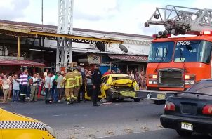 La triple colisión fue a la altura del semáforo de Sabanitas. Foto: Diómedes Sánchez S.