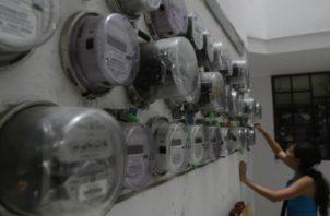 El subsidio eléctrico beneficiará a unas 876 mil 820 familias. Foto/Archivo