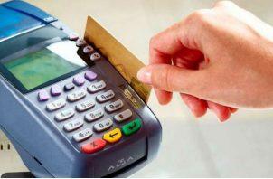 El crédito destinado a personas mediante tarjeta de crédito se incrementó en 9.8%
