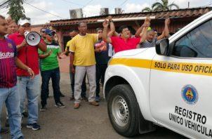 Los transportistas del sector selectivo de Panamá Oeste, ya habían mostrado su disconformidad sobre éstos cupos alfanumérico 13T. Foto/Eric Montenegro