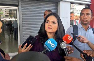 La directora general de Aduanas, Tayra Barsallo, dijo que estas irregularidades se vienen presentando desde el año pasado y se habría detectado tras varios meses de investigación.