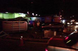 Los heridos fueron evacuados en ambulancias del Sistema Único de Emergencias (Sume) 911 hacia el hospital provincial Nicolás Solano en La Chorrera. Foto/Eric Montenegro