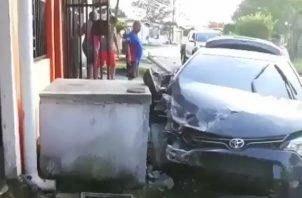 El conductor deberá asumir los costos de los daños ocasionados a la propiedad privada. Foto/Eric Montenegro