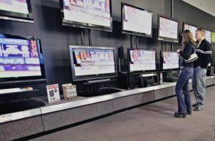 A partir de hoy queda prohibida la venta y distribución de televisores que no cuenten con el formato DVB-T .