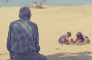 La muerte de amigos o familiares puede llevar a la depresión.