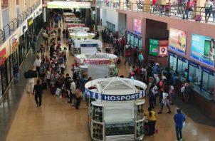 En la terminal convergen, diariamente, miles de personas. Foto de archivo