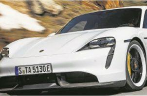 Porsche logró más de veinte mil preventas para el nuevo Taycan por fanáticos de la marca automotriz alemana
