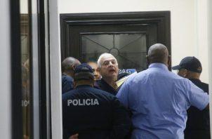 El testigo protegido en el caso de los pinchazos telefónicos admitió que fue interrogado en varias ocasiones por el presidente Juan Carlos Varela.