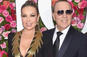 Thalía y su esposo, Tommy Mottola. AFP