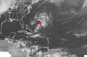 Andrea es  una tormenta subtropical, lo que significa que es un híbrido entre las tormentas de núcleo frío (invierno) y las de núcleo caliente (verano).