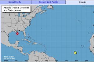 El ciclón, que tiene ya vientos máximos sostenidos de 40 millas por hora (65 km/h), podría alcanzar a primera hora del sábado la costa de Luisiana, cerca de la localidad de New Iberia, unos 150 kilómetros al oeste de Nueva Orleans.