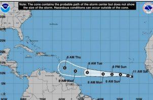 Se espera que se convierta en una baja presión remanente y se disipe al este de las Antillas Menores el domingo en la noche.