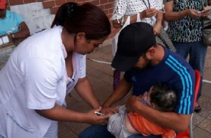 La vacuna es la mejor forma de prevención contra la enfermedad que llega a provocar la muerte en niños menoes de 5 años. Foto: Panamá América