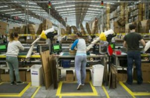 En Panamá existe una gran inversión en servicios. Foto: EFE