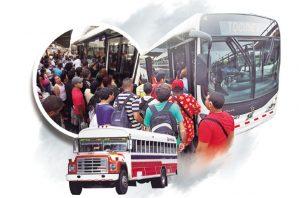 Deficiente, pésimo son algunas de las palabras con la que resumen los usuarios del transporte público de la ciudad capital y San Miguelito
