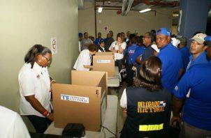 El Tribunal Electoral coordina el voto adelantado para empresarios.