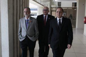 Eduardo Valdés Escoffery, Alfredo Juncá y Heriberto Araúz, magistrados del Tribunal Electoral. Archivo