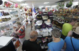 La devolución del impuesto se le dará al turista a su salida de Panamá. Foto/Archivo