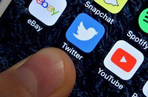 Los internautas empezaron a alertar de problemas para acceder a la red social. Foto/EFE