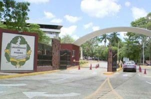 La Universidad de Panamá oferta 309 carreras y alberga, aproximadamente, a 71 mil estudiantes y 4,700 docentes. Foto de archivo