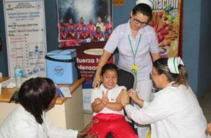 Las vacunas son gratis en los centros de salud. Foto: Panamá América