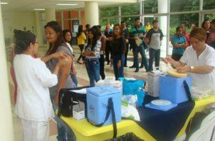 El Ministerio de Salud solició al Instituto Conmemorativo Gorgas hacer un análisis de la vacuna para saber su efectividad.