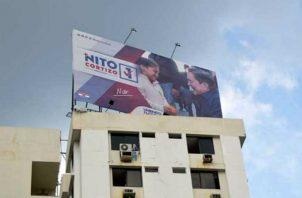 El gobierno contrató a dos empresas para la instalación de nueve vallas promocionales. Foto: Panamá América.