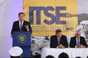 Varela considera que invalidar a ministro González para la ACP, podría invalidar a Vásquez.