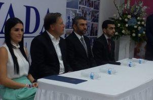El presidente Juan Carlos Varela  hizo referencia al tema de la transición durante la inauguración de un almacén en Colón. Foto/Diómedes Sánchez