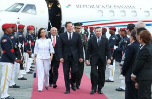 Boleto aéreo para una ejecutiva de la Presidencia cuesta más que el del presidente Juan Carlos Varela. Foto: Presidencia de la República.