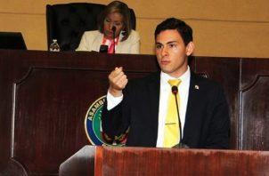 Juan Diego Vásquez propondrá eliminación de beneficios. Foto de archivo