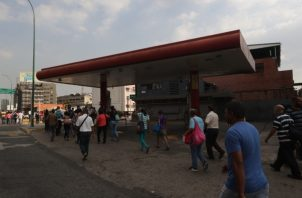 La población espera que no se repita el caos de hace dos semanas por la falta de electricidad. FOTO/EFE