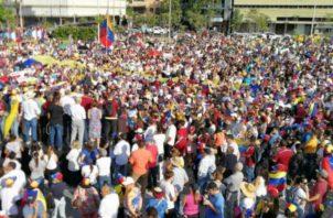 Colombianos, canadienses y nicaragüenses también se sumaron. Andreína Chacín