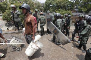 La ciudadanía hace unos 10 días afrontó una crisis energética y la falta de agua potable.