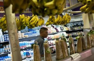 """La hiperinflación de Venezuela se podría explicar en la constante """"monetización"""" del déficit fiscal"""