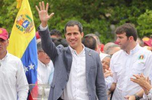 """Guaidó explicó que esta reunión también busca """"lograr la presión necesaria"""" para poner fin a la llamada revolución bolivariana, en el poder desde 1999."""