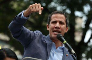 """""""Vamos a organizar un 'peo' cada vez que sea necesario para exigir nuestros derechos, ya basta de burlas"""", dijo Guaidó."""