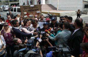 Venezuela, el país con las mayores reservas probadas de petróleo en el planeta, atraviesa una severa crisis que se expresa en escasez generalizada e hiperinflación.