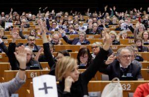 """La alta representante de la UE para la Política Exterior, Federica Mogherini, pidió hoy la inmediata puesta en libertad del equipo de la Agencia Efe detenido en Venezuela mientras cubría la crisis política en ese país.  Igualmente, el vicepresidente del Partido Popular Europeo (PPE), Esteban González Pons, exigió hoy al Gobierno de Nicolás Maduro que libere """"de inmediato"""" a los periodistas de la Agencia EFE d"""