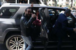 Los tres reporteros de Efe que fueron detenidos este miércoles por el servicio de inteligencia de Venezuela son los colombianos Mauren Barriga y Leonardo Muñoz, y el español Gonzalo Domínguez.