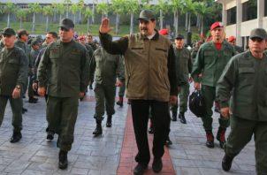 el número dos de la FANB, Remigio Ceballos, reiteró que los militares están obligados a ser fieles a Maduro, a quien reconocen como comandante en jefe.